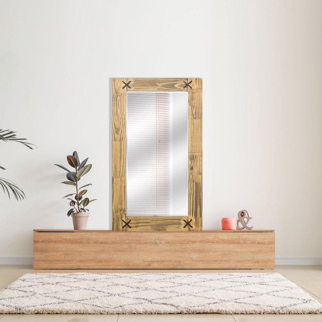 Espelho com moldura no estilo rústica.