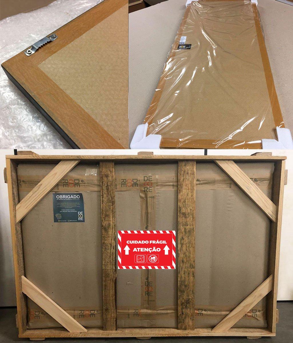 Papel Kraft, cantoneiras de papelão duplo ou polietileno, plástico termo encolhível, plástico bolha, caixa de papelão + armação de madeira e avisos de mercadoria frágil, para um transporte ainda mais seguro contra avarias.