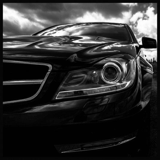 Quadro Decorativo em Preto e Branco Carro Esportivo Mercedes Benz 80x80cm