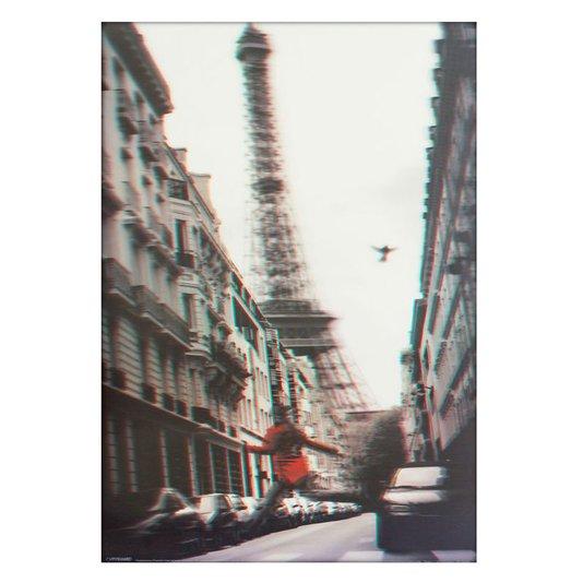 Poster 3D Mulher Pulando na Rua Torre Eiffel 50x70cm com/sem Moldura