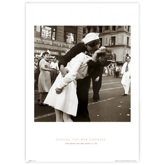 Poster Kissing The War Goodbye Beijo Fim da Guerra 60x90cm com/sem Moldura
