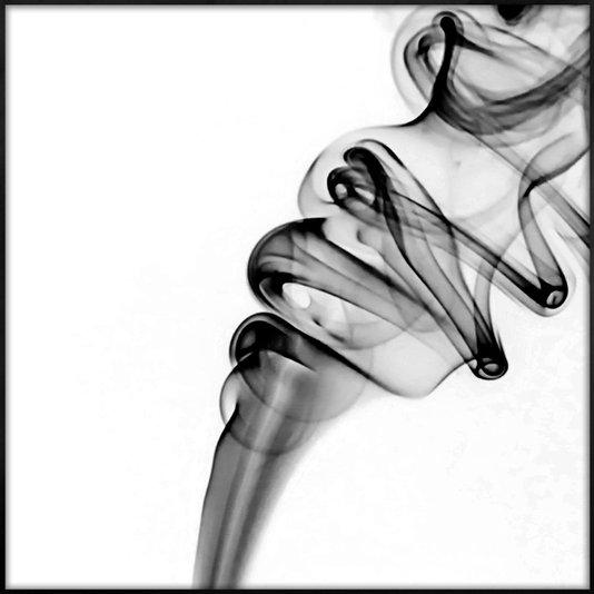 Quadro Abstrato Fumaça Preto e Branco com Moldura Preta 80x80 cm