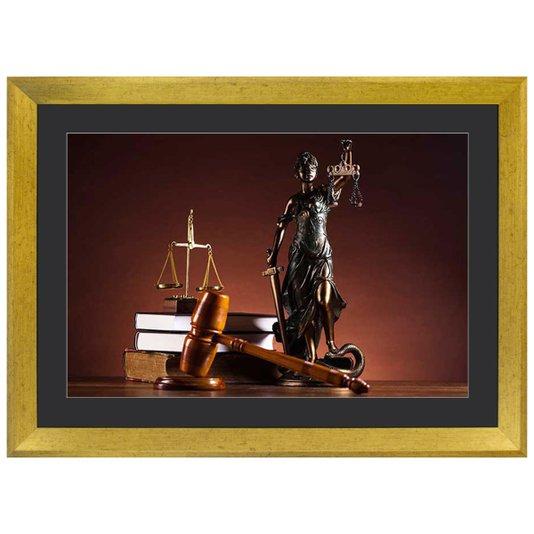 Quadro Advocacia Símbolo da Justiça com Moldura Dourada III - 55x40cm