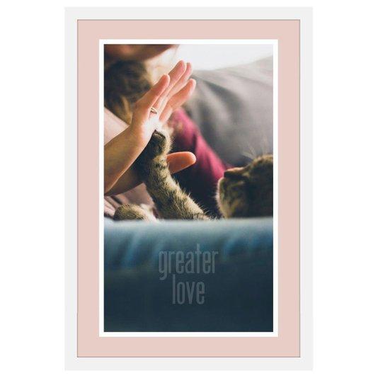 Quadro de Gato Cumprimentando Pessoa e Frase Maior Amor com Moldura Branca 40x60cm