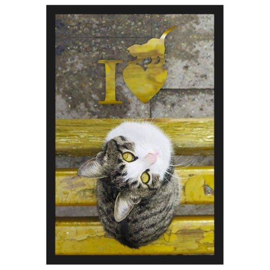 Quadro de Gato em Banco Amarelo com Frase Eu Amo Gatos 40x60cm