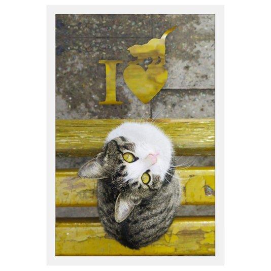 Quadro de Gato em Banco Amarelo com Frase Eu Amo Gatos Moldura Branca 40x60cm