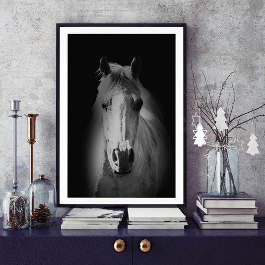 Quadro Decorativo Cavalo em Preto e Branco com Moldura Preta 70x100cm