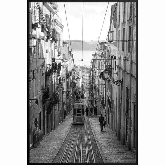 Quadro Decorativo em Preto e Branco Bondinho no Centro de Lisboa 100x140cm