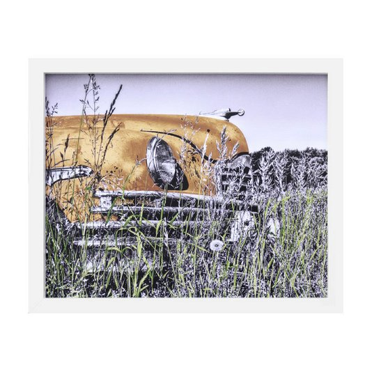 Quadro Decorativo em Preto e Branco Carro Antigo Laranja Abandonado 50x40cm