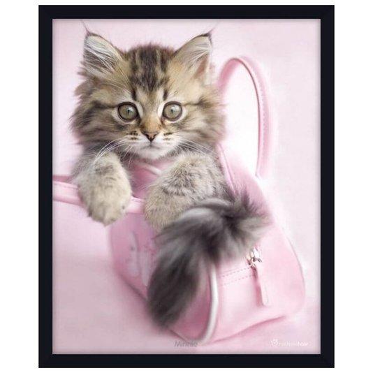 Quadro Decorativo Poster Filhote de Gato Dentro de Bolsa Rosa s/ Vidro 40x50cm