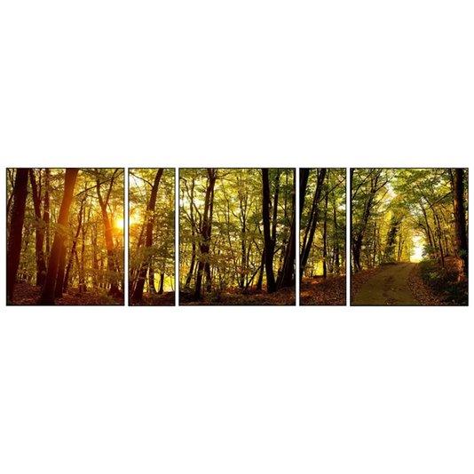 Conjunto composto por 5 quadros em tamanhos diferentes.