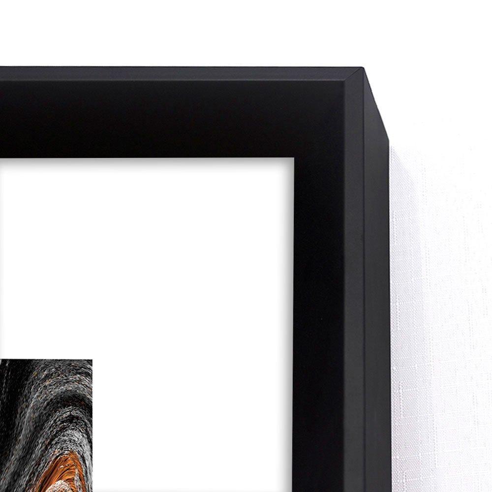 Detalhes: Moldura chanfrada preta com acabamento laqueado fosco.