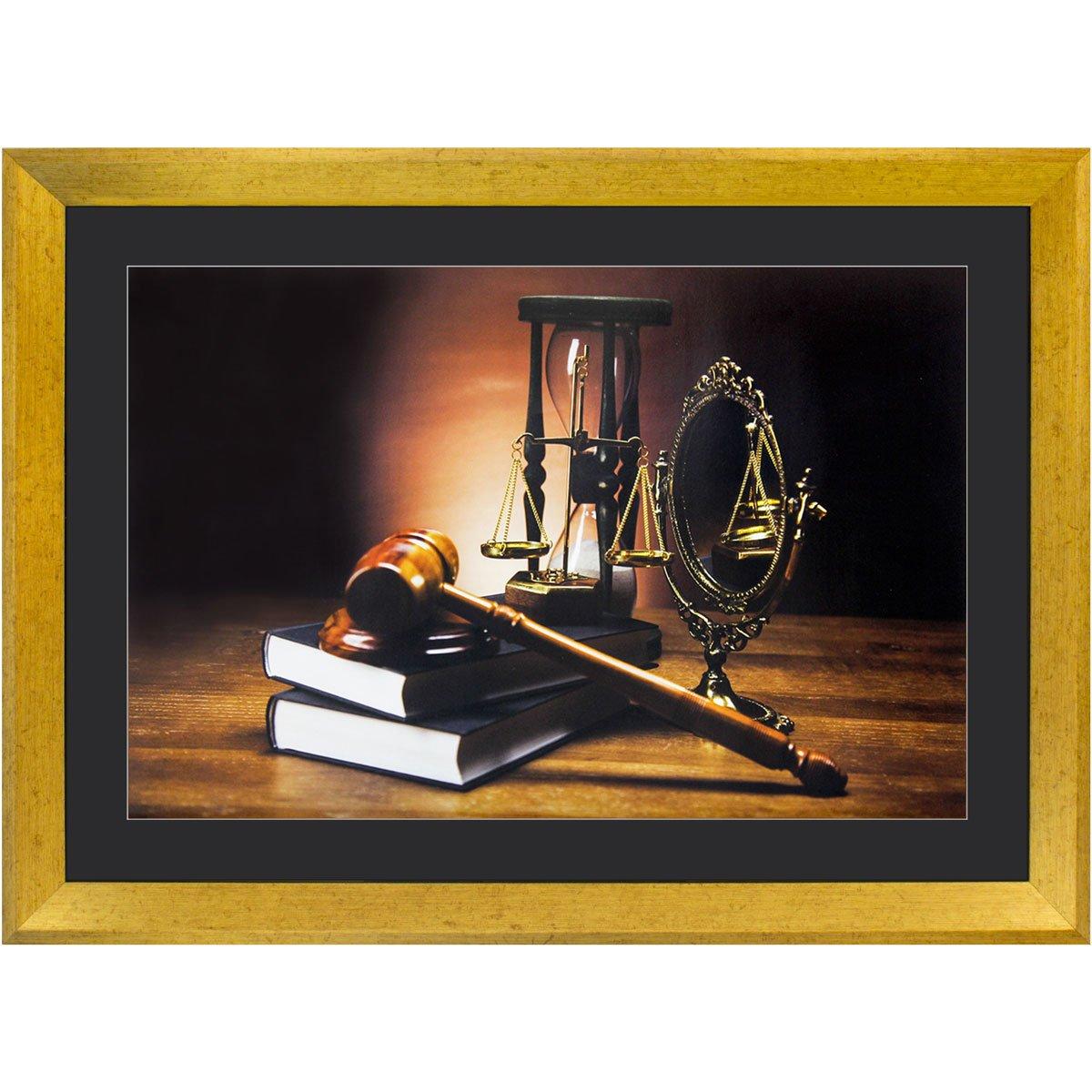 Quadro Advocacia Símbolo da Justiça com Moldura Dourada II - 55x40cm