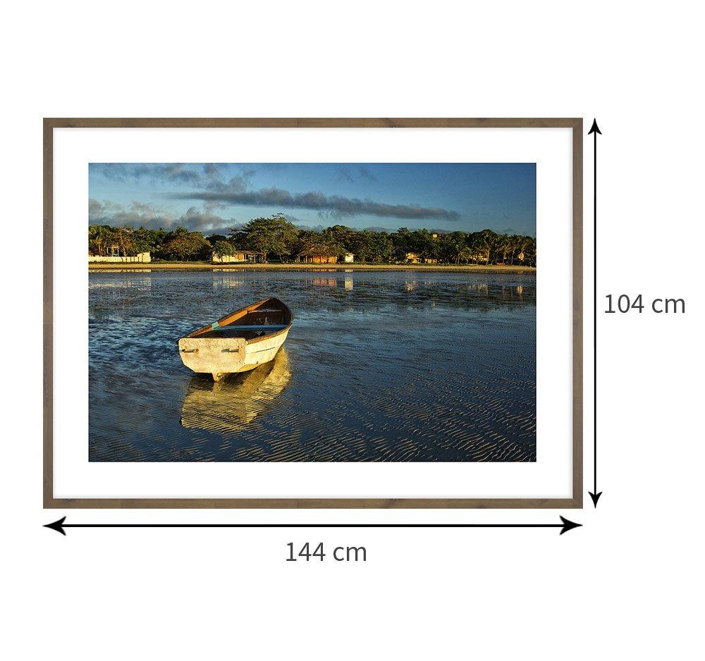 Tamanho exato do quadro com moldura: 144 x 104 cm.