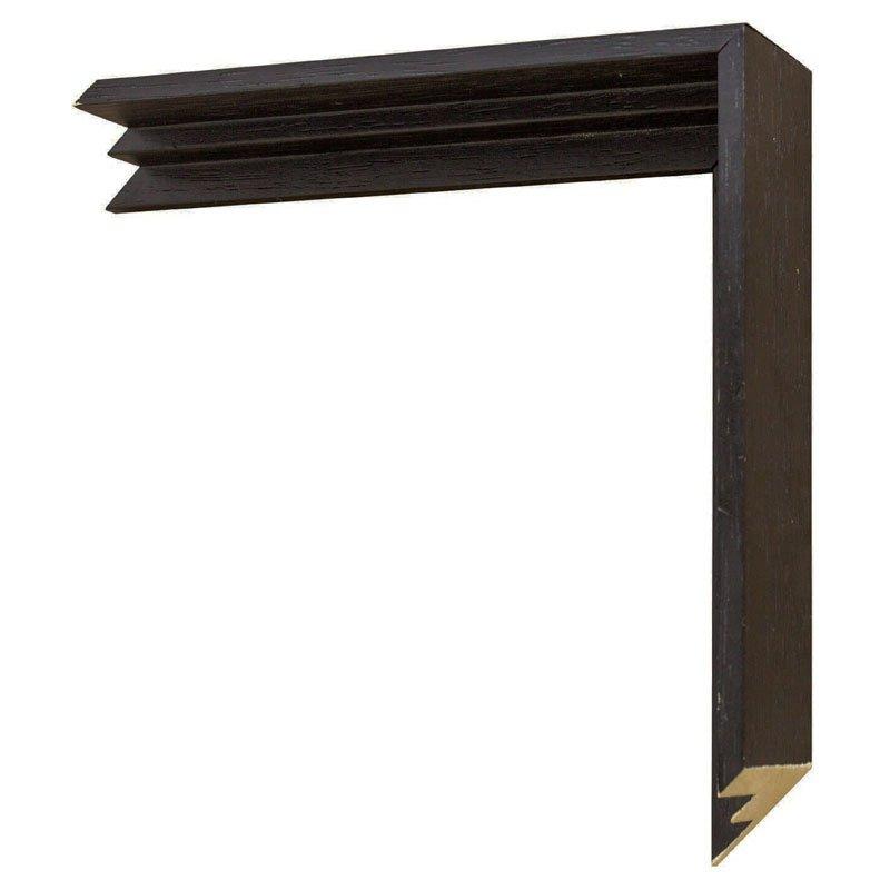 Moldura flutuante preta. Dimensão (L x A) 2,2x4,5 cm.