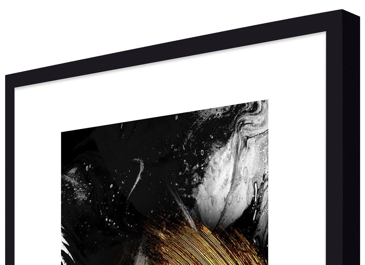 Detalhes: moldura em alto padrão, laqueada na cor preto fosco.