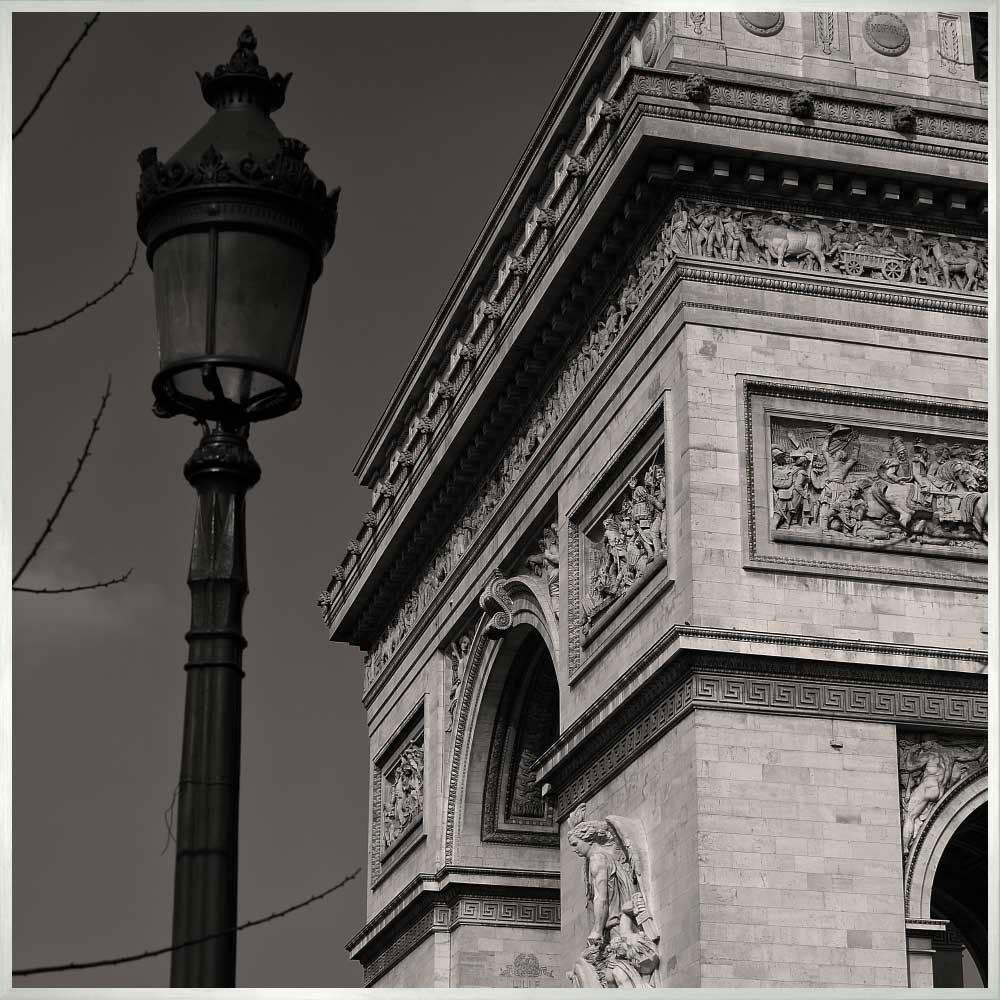 Quadro em Preto e Branco Arco do Trunfo por Dorival Moreira 50x50 cm
