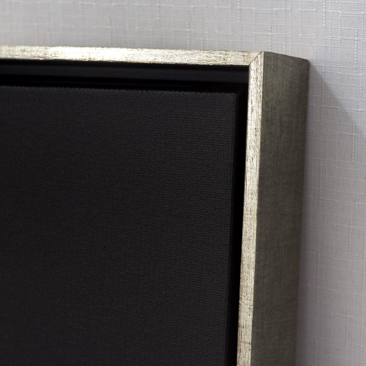 Detalhes, acabamento e textura, tela canvas com moldura flutuante prata.