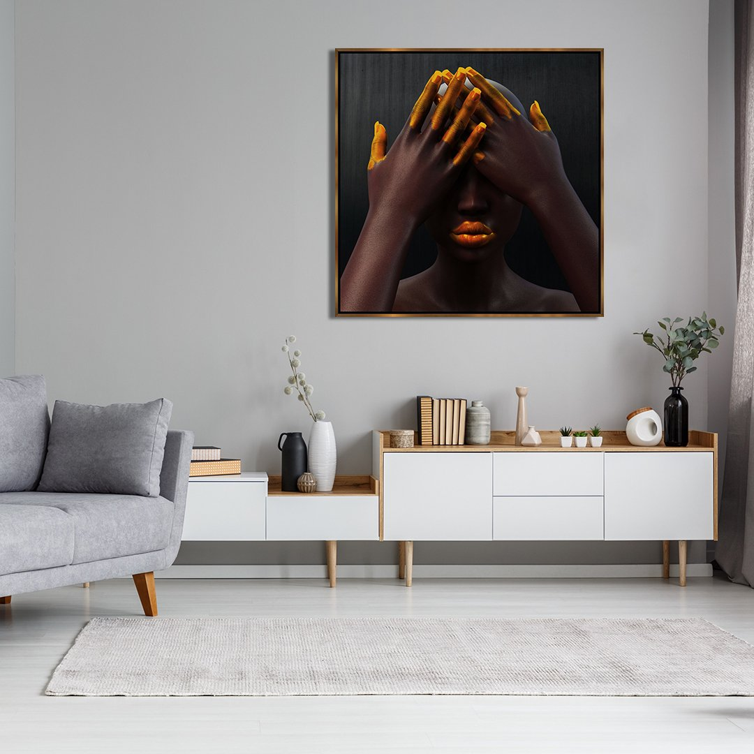 Arte Deusa de Ébano, detalhes dourados.